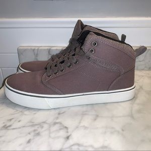 NEW Men's High Top Canvas Skate Shoes - Size 8